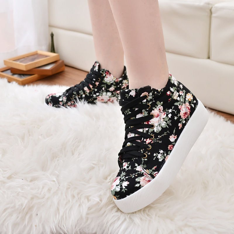 Weiya Sneakers With Pink Flowers