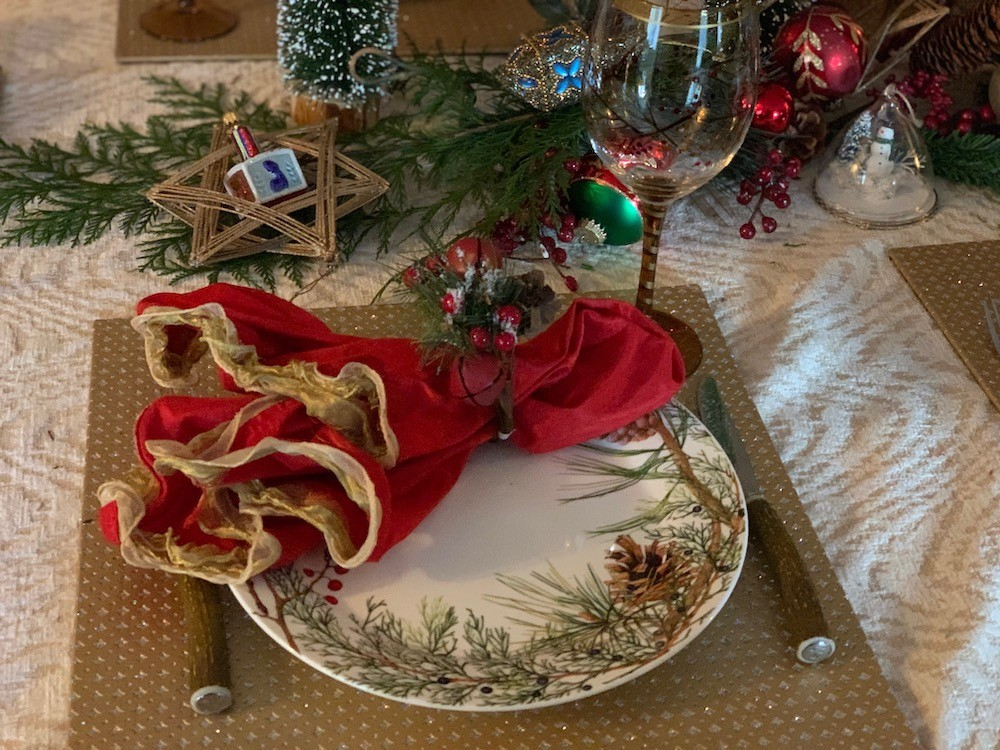 Using holiday ornaments for a Chanukah table: Combining traditions for holidays