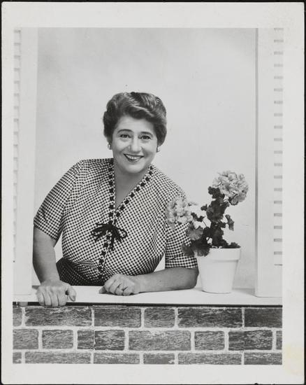 Gertrude Berg playing Molly Goldberg