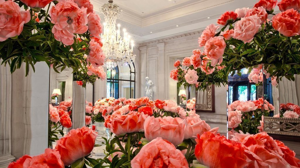 Florist Jeff Leatham Designs at Four Seasons Hotel